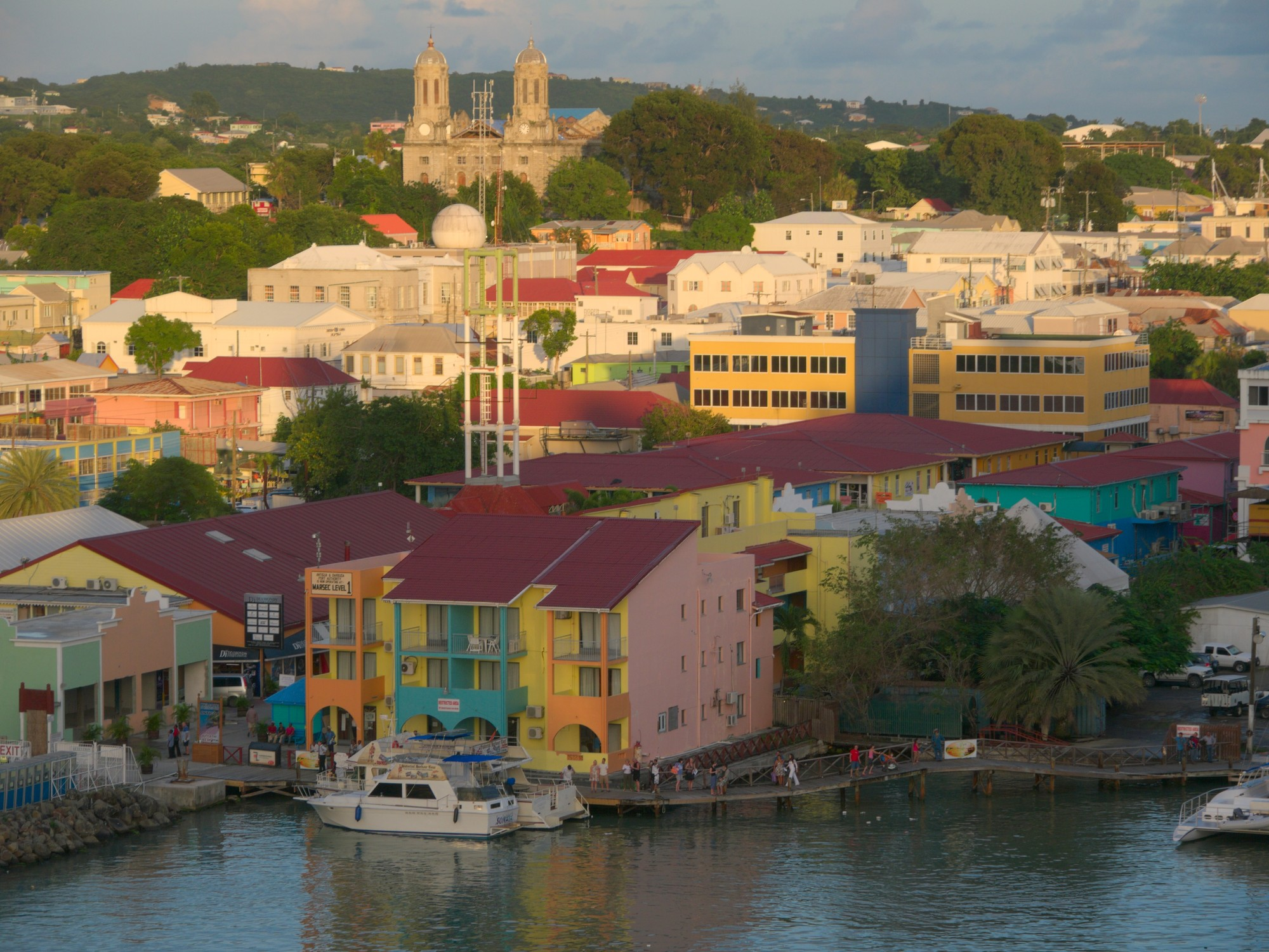 antigua and barbuda Rising sea level in antigua and barbuda is threatening the beaches and marine resources that sustain the islands' tourism industry.